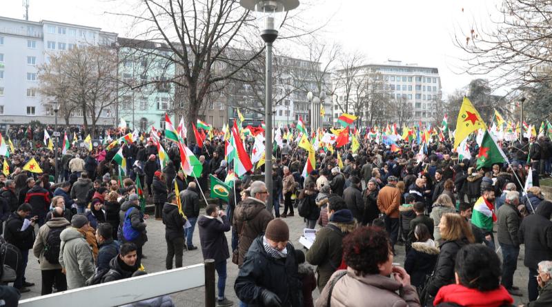 Новости: Полиция остановила акцию протеста в Кельне