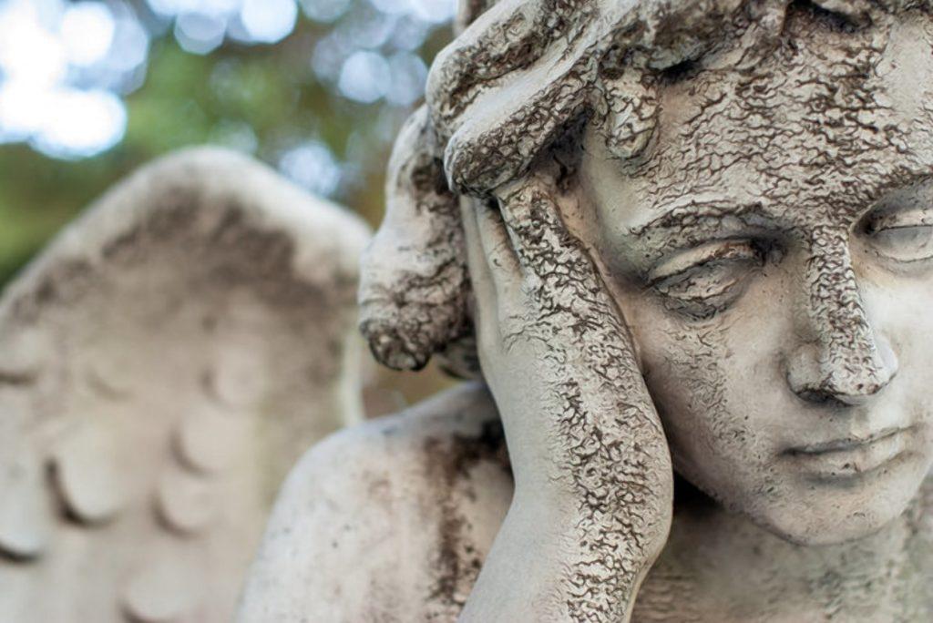 Деньги: Бедность в Германии: у немцев нет денег на похороны родственников
