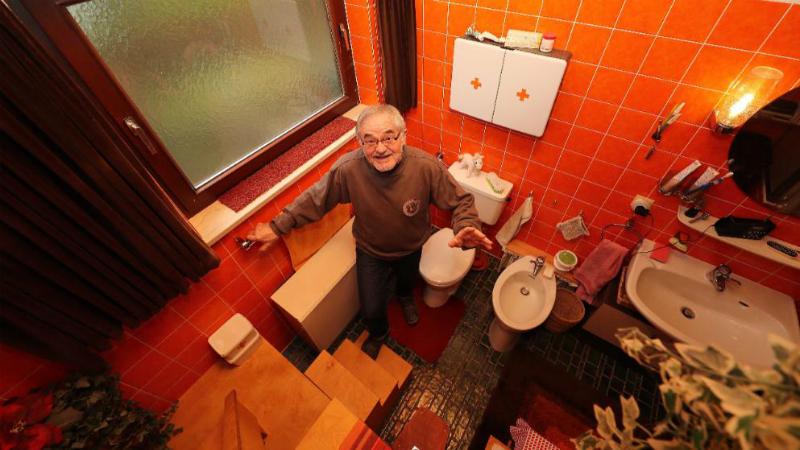 Общество: Чтобы не замерзнуть, пенсионер из Аугсбурга живет в собственной ванной
