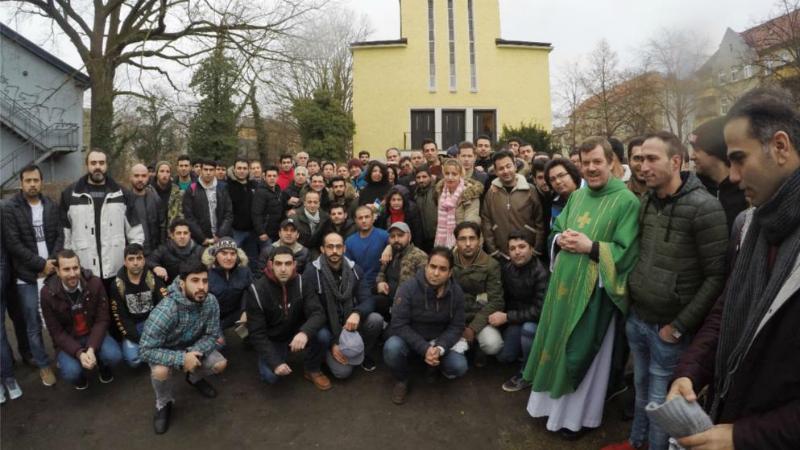 Общество: Германия депортирует мусульман, принявших христианство