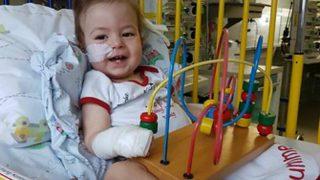 Из-за мячика-попрыгуна ребенку отрезали ногу