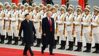 Китайцы подрались с американцами из-за ядерного чемоданчика Трампа