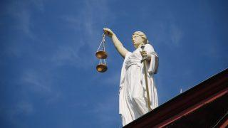 Топ-7 страшных вещей, которые в некоторых странах можно делать легально