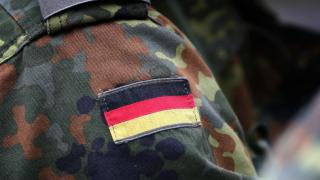 Ради отпуска солдат бундесвера «убил» свою девушку