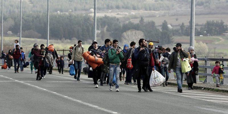 Общество: Беженцы используют Facebook как туристическое агентство