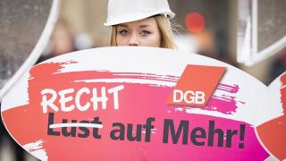 День равенства оплаты труда: женщинам все еще платят меньше