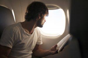 Досуг: Можно ли открыть дверь самолета во время полета? рис 2