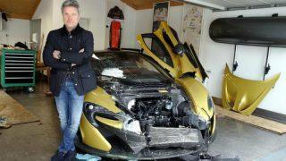 Бизнесмен хотел продать свой спорткар, но в итоге разбил его