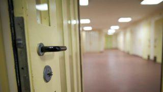 ХДС хотят поместить под стражу всех подлежащих депортации преступников