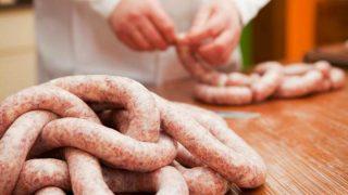 Какое мясо не стоит покупать: как нас обманывают производители
