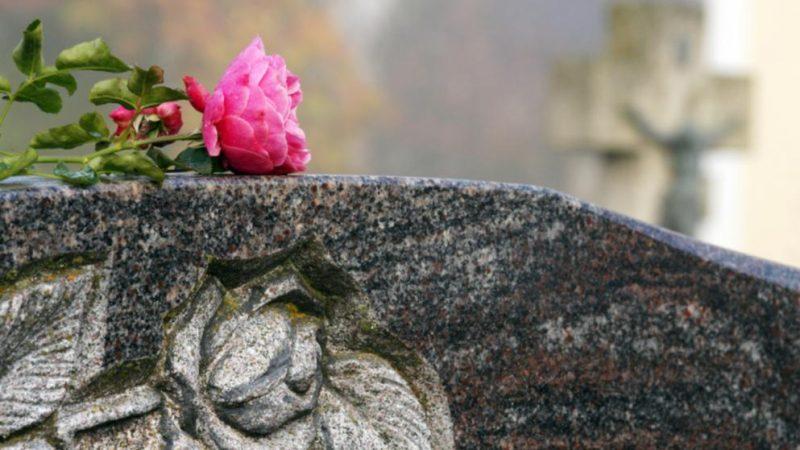 Полезные советы: Смерть близкого: что нужно сделать со страховыми полисами и другими документами?