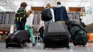 Все больше немцев покидает Германию, но население продолжает расти
