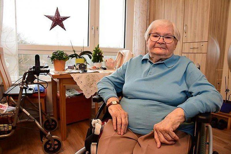 Общество: Пенсионеры в Германии живут на €106 в месяц