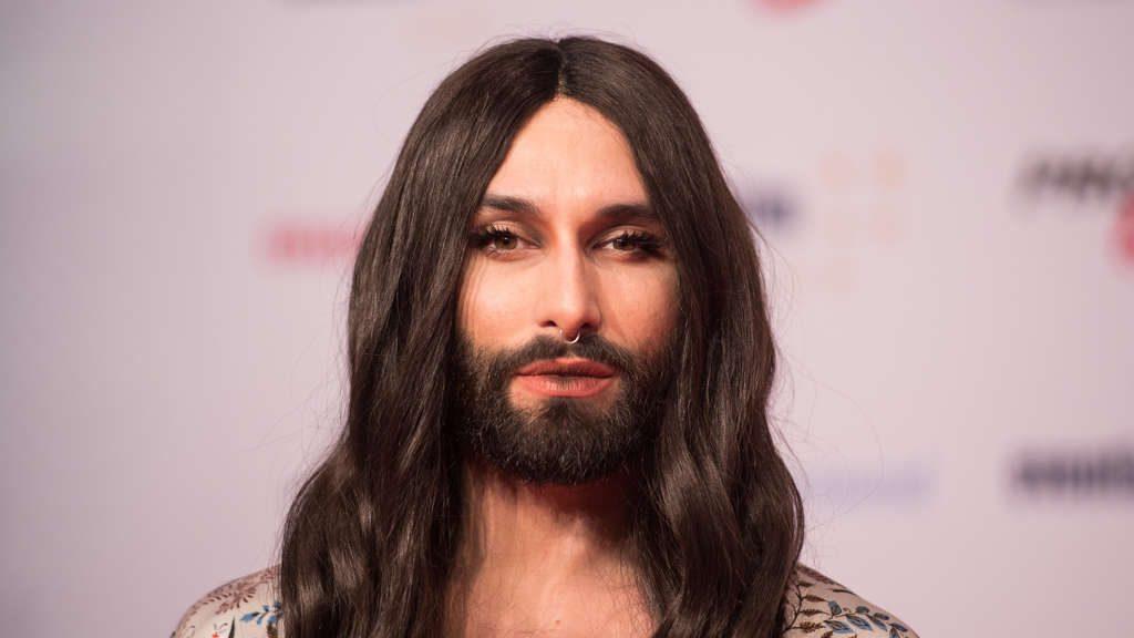 Общество: Победитель «Евровидения» признался, что у него ВИЧ