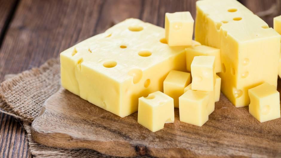 Домашние хитрости: Никогда не покупайте эти сорта сыра! рис 7