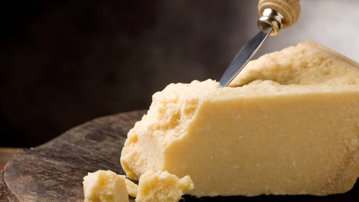 Домашние хитрости: Никогда не покупайте эти сорта сыра! рис 6