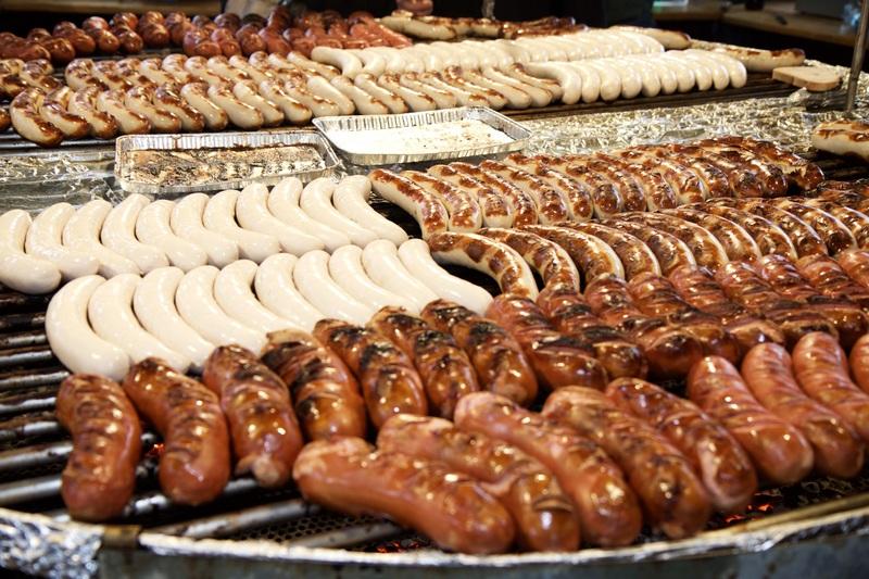 Общество: Немецкая кулинария: какая колбаса вкуснее, и с чем ее едят?