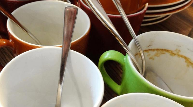 Общество: Обязаны ли сотрудники наводить порядок на офисной кухне?