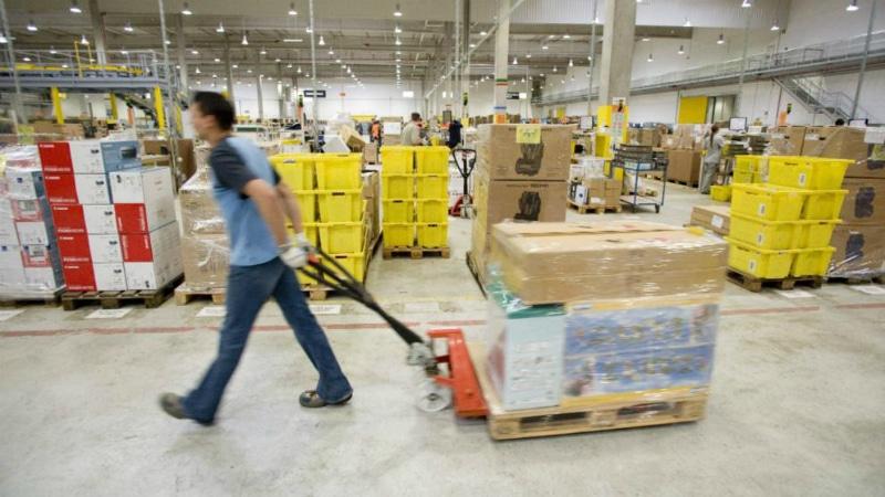 Общество: Зачем Amazon уничтожает тонны товаров?