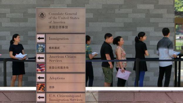 Отовсюду обо всем: США отзывает послов из Китая из-за странных событий