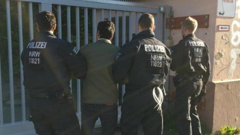 Общество: Действительно ли с появлением беженцев в Германии выросла преступность?