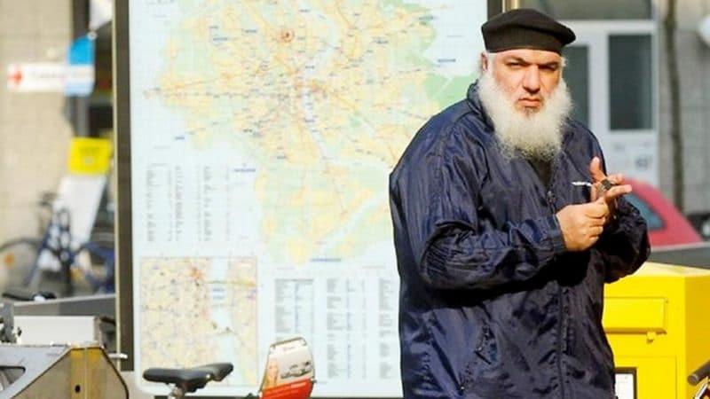 Общество: Абу-Десс планировал три нападения, но ему разрешили остаться в Германии