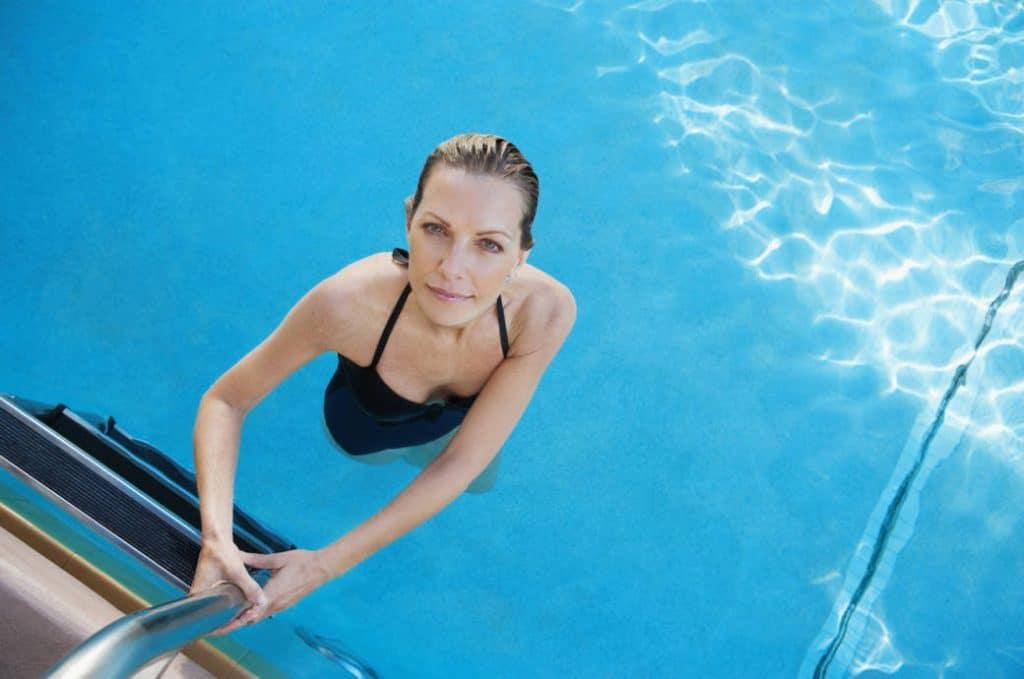 Общество: Действительно ли нельзя плавать сразу после еды?