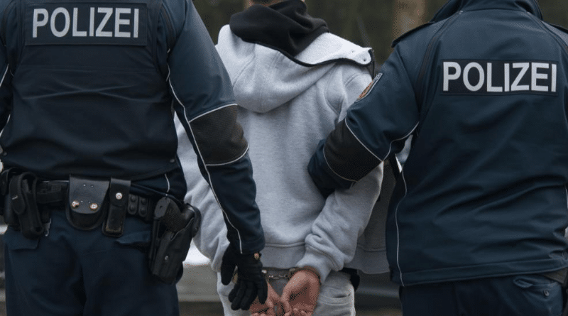 Общество: В Германии разыскивают 126 тыс. мигрантов, подлежащих депортации