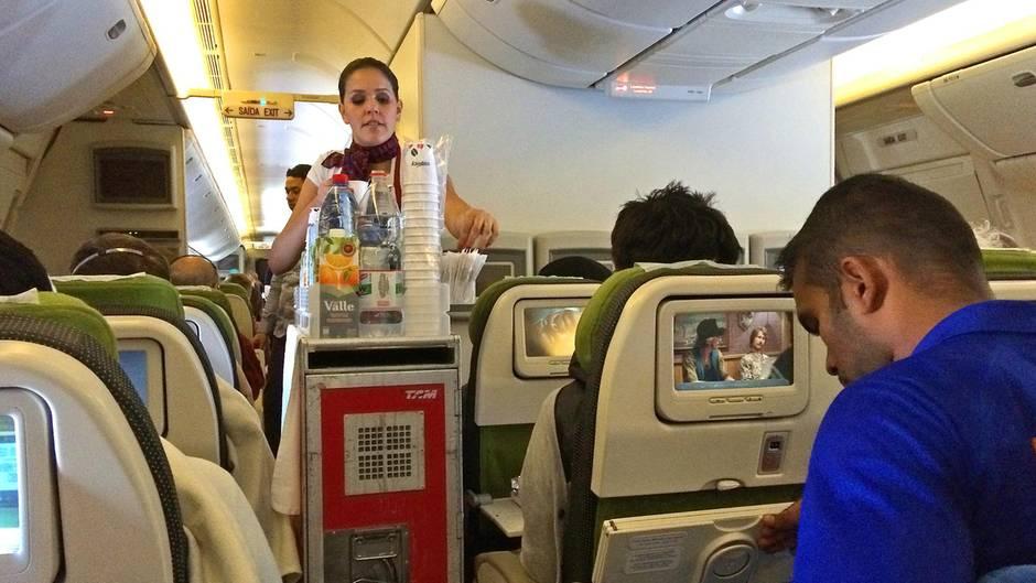 Деньги: Сколько зарабатывает стюардесса в Германии?