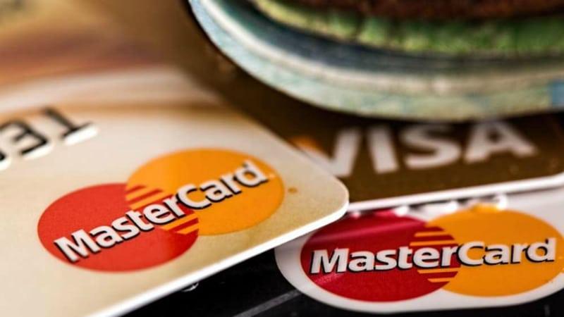 Деньги: Бесплатные кредитные карты: ловушки, о которых нужно знать