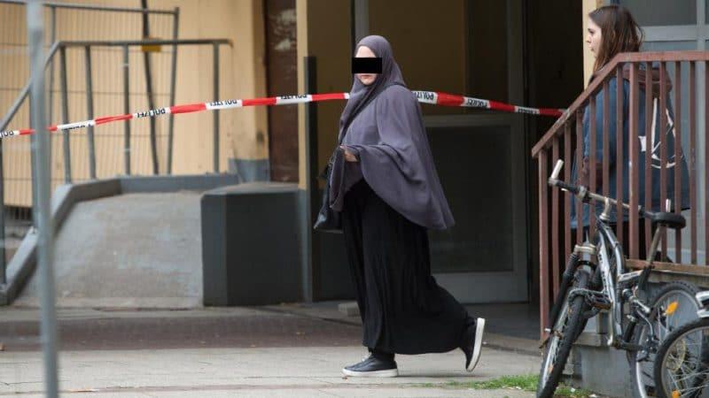 Общество: Подготовка теракта: эта женщина тестировала биологическое оружие на хомяках