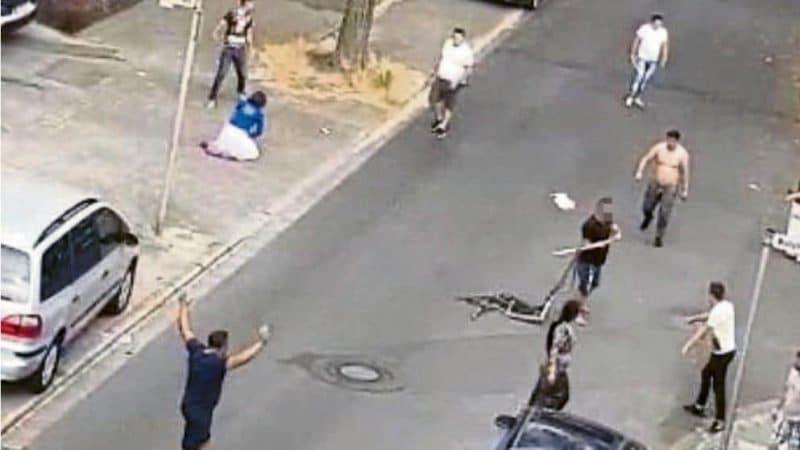 Происшествия: В Гельзенкирхене полсотни румынских мужчин подрались из-за €50