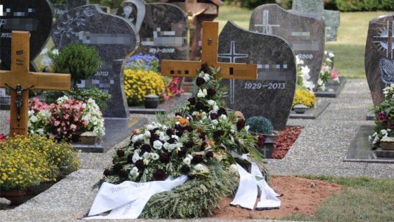 Происшествия: Шок на кладбище: из могилы доносился отчетливый стук