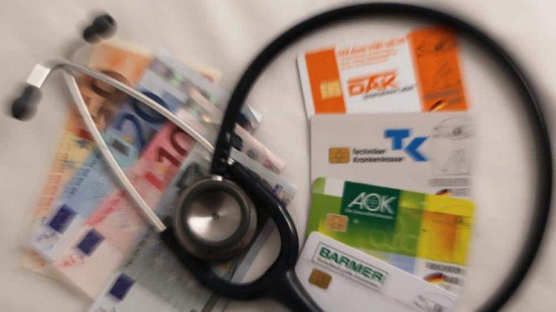 Общество: Как больничные кассы обманывают клиентов