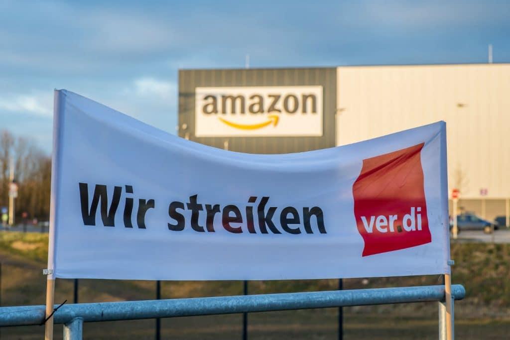 Новости: Немецкие работники Amazon начали забастовку