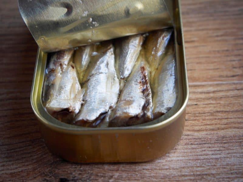 Общество: Рыбные консервы: польза или вред