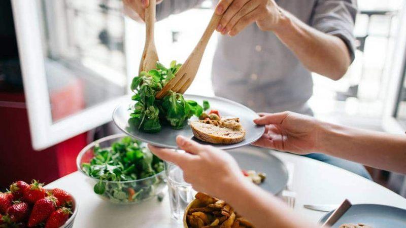 Здоровье: 6 ошибок, которые мы совершаем, выбирая еду на обед