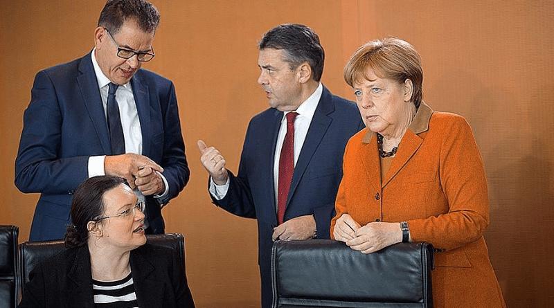 Общество: Чей сейчас занимаются бывшие министры?