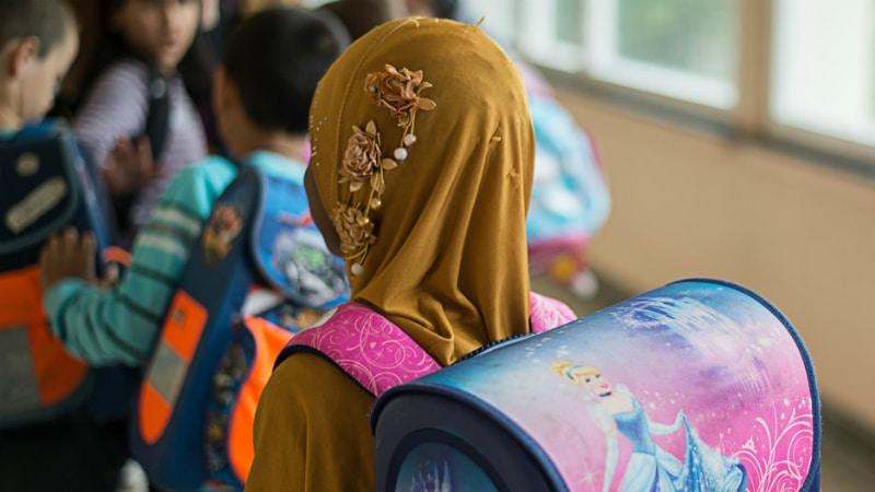 Общество: Исламский ученый утверждает, что платок не является религиозным символом