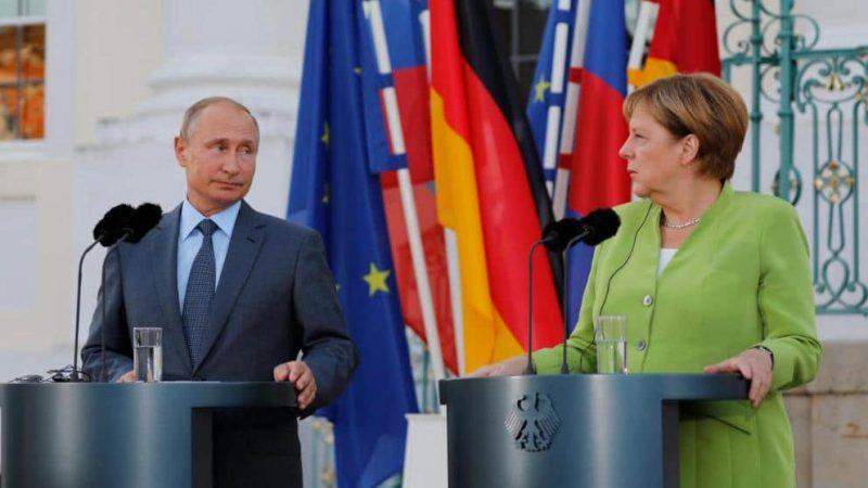 Политика: Меркель отправилась в тур по Кавказу: Путин напрягся