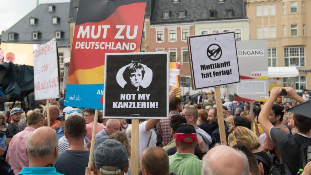 Политика: Ангела Меркель в Саксонии: без акций протеста не обошлось и в этот раз