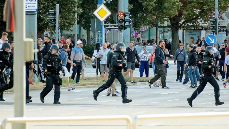 Происшествия: После гибели россиянина в Хемнице праворадикалы устроили демонстрацию