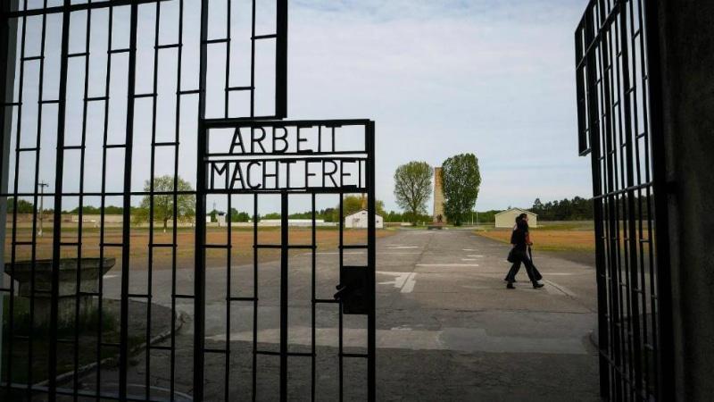 Политика: Представители АдГ оскорбили память жертв нацистского концлагеря