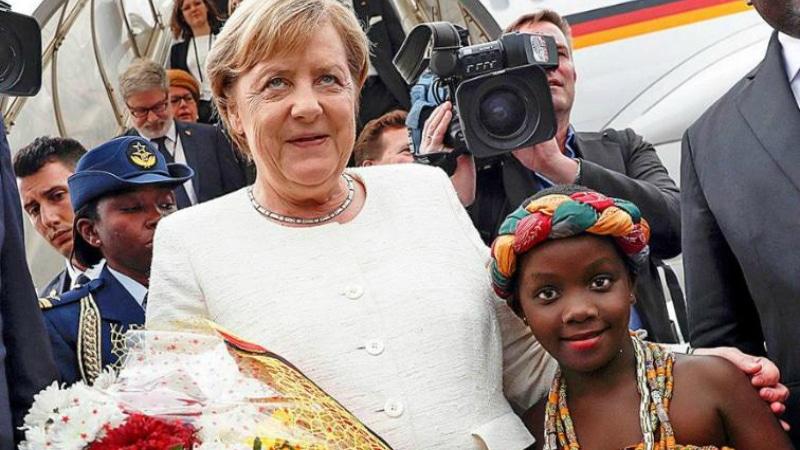 Политика: Меркель уехала в Африку договариваться о беженцах