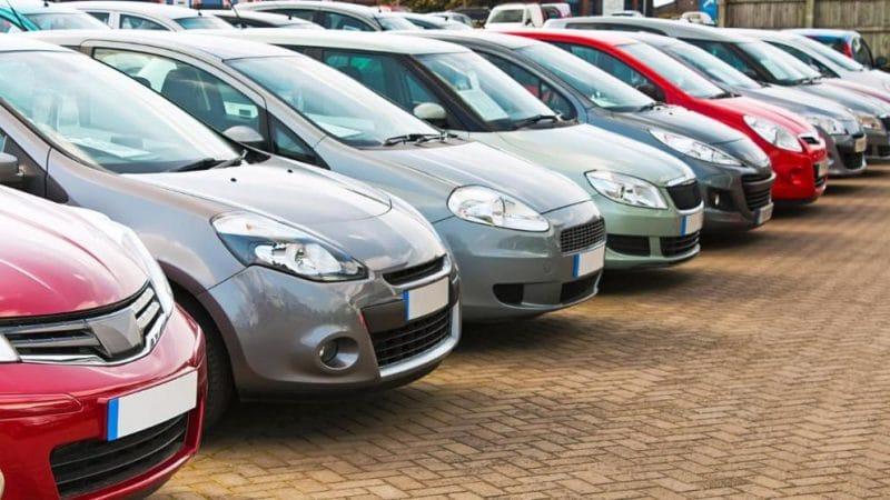 Общество: Компактные экономичные автомобили больше не в тренде
