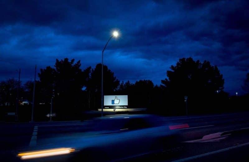 Новости: Пользователи Facebook столкнулись с пропажей постов