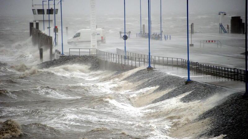 Погода: На севере Германии ожидаются сильные ураганы