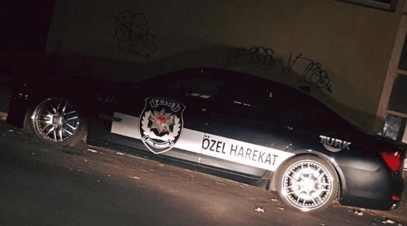 Происшествия: По Берлину курсирует автомобиль с логотипом турецкого спецназа: что это значит?