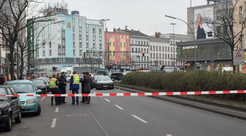 Происшествия: В Берлине член преступного клана на автомобиле сбил полицейского и скрылся