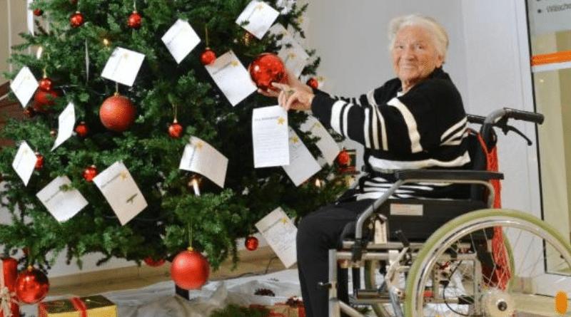 Общество: Что одинокие пенсионеры из домов престарелых мечтают получить на Рождество